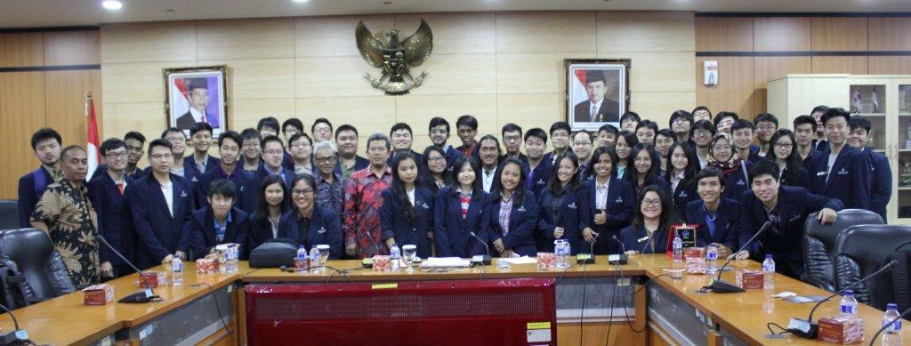 Foto bersama pembicara dari Kemenkominfo